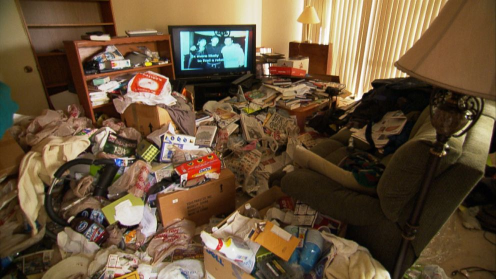 Hoarding Disorder Causes, Symptoms, Diagnosis and ...