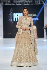 saira-shakira-zohra-collection-at-pfdc-loreal-paris-bridal-week-2016-1-1