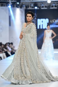 saira-shakira-zohra-collection-at-pfdc-loreal-paris-bridal-week-2016-7