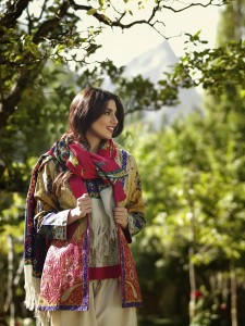 lakhany-silk-mills-winter-shawl-collection-1