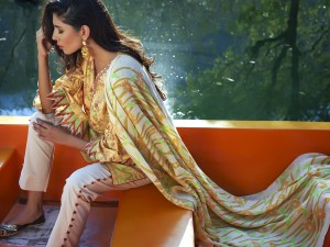 lakhany-silk-mills-winter-shawl-collection-19