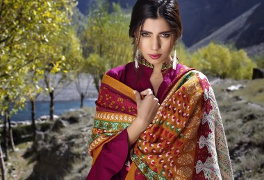 lakhany-silk-mills-winter-shawl-collection-5