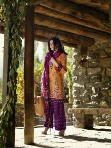 lakhany-silk-mills-winter-shawl-collection-7