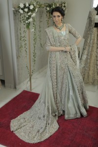 maria-wearing-zohra-by-saira-shakira