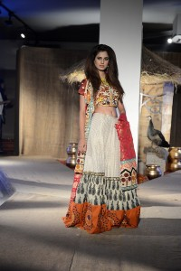 taanka-a-brand-dedicated-to-highlighting-the-arts-and-crafts-of-interior-sindh-launches-at-pfdc-fashion-active-in-lahore-1