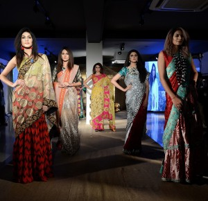 taanka-a-brand-dedicated-to-highlighting-the-arts-and-crafts-of-interior-sindh-launches-at-pfdc-fashion-active-in-lahore-13