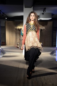 taanka-a-brand-dedicated-to-highlighting-the-arts-and-crafts-of-interior-sindh-launches-at-pfdc-fashion-active-in-lahore-3
