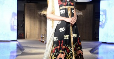 taanka-a-brand-dedicated-to-highlighting-the-arts-and-crafts-of-interior-sindh-launches-at-pfdc-fashion-active-in-lahore-5