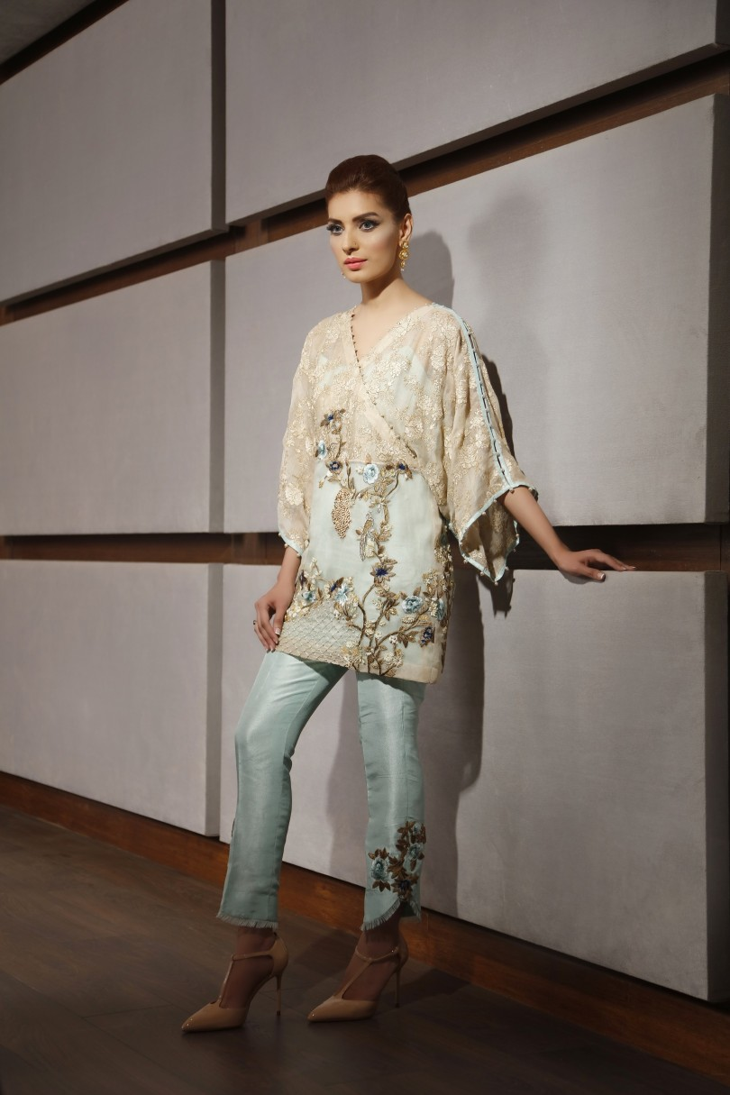 saira-shakira-once-upon-a-december-luxury-pret-look-6-1