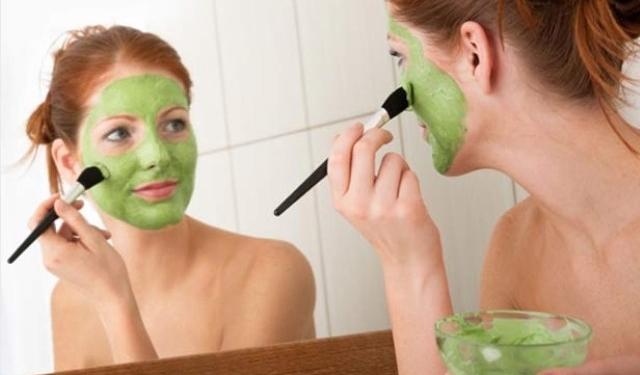 5 Simple Homemade Herbal Face Packs