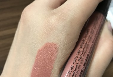 NYX Lip Lingerie in Ruffle Trim