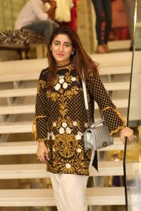 Hajra Asfandyar (2)